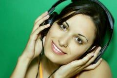 lyssnande musik för flicka Arkivfoton