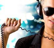 lyssnande musik för pojke till royaltyfri fotografi