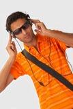 lyssnande musik till Royaltyfria Bilder