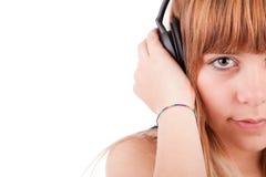 lyssnande musik till kvinnabarn Royaltyfri Bild