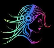lyssnande musikkvinna för hörlurar Arkivbild