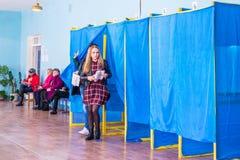 Lysychansk, de Oekra?ne - de Verkiezing van 03-31-2019 van de President van de Oekra?ne stock foto's