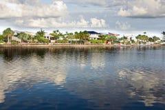lyx för kanalutvecklingshus Royaltyfri Fotografi
