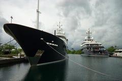 Lyx seglar i kolonet Panama Royaltyfri Foto