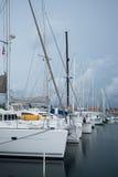 Lyx seglar i kolonPanama liten port Royaltyfria Foton