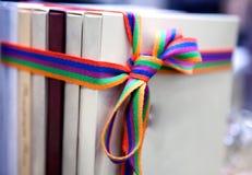 Lyxaskar som binds med Arkivbild