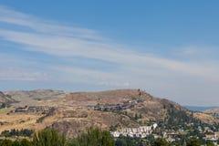 Lyxhus överst av kullen Royaltyfri Foto