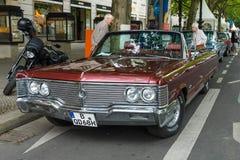Lyxig bil Chrysler imperialistiska Konvertibel, 1968 Royaltyfria Bilder
