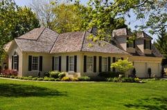 Lyxig bungalow arkivbild