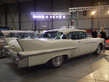Lyxig favorit- gammal Cadillac affärsAuto-show Arkivbild