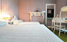 lyxig gammal stil för sovrum Arkivbilder
