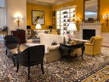 Lyxig hotelllobbyinre av Ritz Carlton Tianjin Kina fotografering för bildbyråer