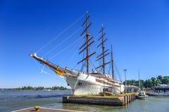 Lyxig kryssningsegelbåt Royaltyfria Foton