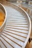 lyxig marmortrappa för hotell Arkivfoto