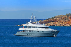 Lyxig motor-yacht Arkivbild