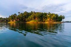 Lyxig rsort på kenyirsjön royaltyfri fotografi