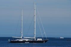 lyxig segling för fartyg Arkivfoto