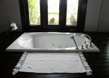 lyxig semesterort för badrumhotell Fotografering för Bildbyråer
