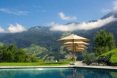 Lyxig semesterort i Schweiz Fotografering för Bildbyråer