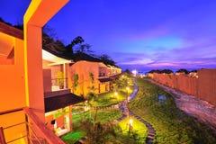 Lyxig semesterort på solnedgången i det Thailand paradiset Arkivfoton