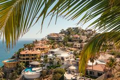 Lyxig semestersikt i Baja, Mexico royaltyfria foton