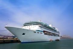 lyxig shipwhite för kryssning Royaltyfri Fotografi