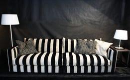 lyxig sofa Arkivfoton