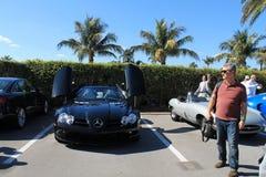 Lyxig sportbil i parkeringsplats Royaltyfri Bild