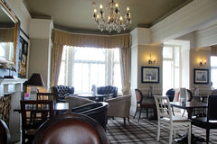 Lyxig storslagen hotellvardagsrum Royaltyfria Bilder