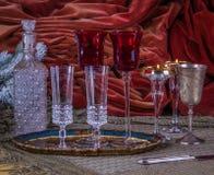 Lyxig tabell i julpynt royaltyfri bild