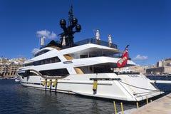 Lyxig toppen yacht Royaltyfria Bilder