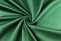 Lyxig torkduk för grön bakgrund eller krabba veck av för textursatäng för grunge siden- sammet Royaltyfri Bild