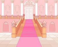 Lyxig trappuppgång i slott Royaltyfri Bild