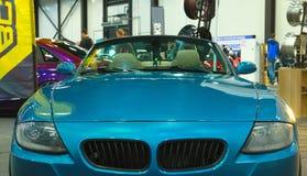 Lyxig tysk roadster på den kungliga auto showen Bekläda beskådar Royaltyfri Bild