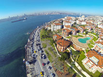 Lyxig vattenframdelrekvisita på Uskudar, Istanbul Royaltyfria Bilder