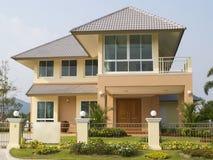 lyxig villa Arkivfoto