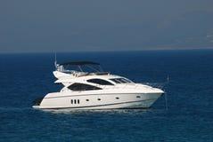 lyxig vit yacht Fotografering för Bildbyråer