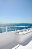 lyxig vit yacht för bräde Royaltyfri Fotografi