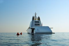 Lyxig yacht A Arkivfoton