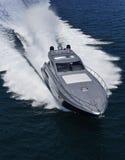 lyxig yacht för alfamarine 60 arkivbild