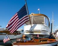 Lyxig yacht för millivolt Olympus Arkivbilder