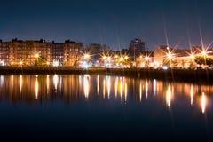Lyxig yacht i porten på natten Fotografering för Bildbyråer