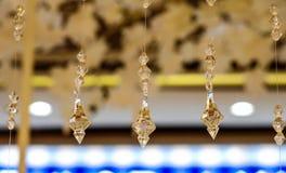 Lyxiga Crystal Chandelier close upp Royaltyfri Foto