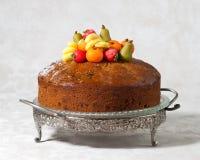lyxiga rich för cakefrukt Arkivfoto