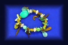 Lyxiga smycken med stenar Smycken för kvinna` s Fotografering för Bildbyråer