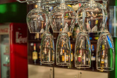 Lyxiga vin- och champagneexponeringsglas Arkivfoton