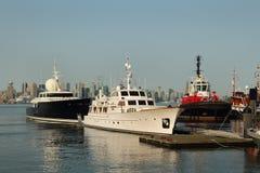 Lyxiga yachter, norr Vancouver, BC Fotografering för Bildbyråer