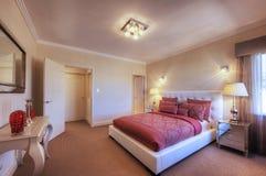 Lyxigt Home sovrum Royaltyfri Bild