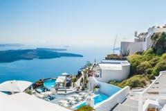Lyxigt hotell med havssikt Fotografering för Bildbyråer