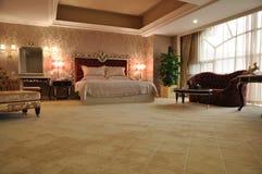 Lyxigt hotellrum Royaltyfri Foto